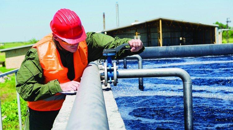 Khi đơn vị cấp nước sử dụng clo để khử trùng, lẽ dĩ nhiên nước từ vòi sẽ có mùi clo.